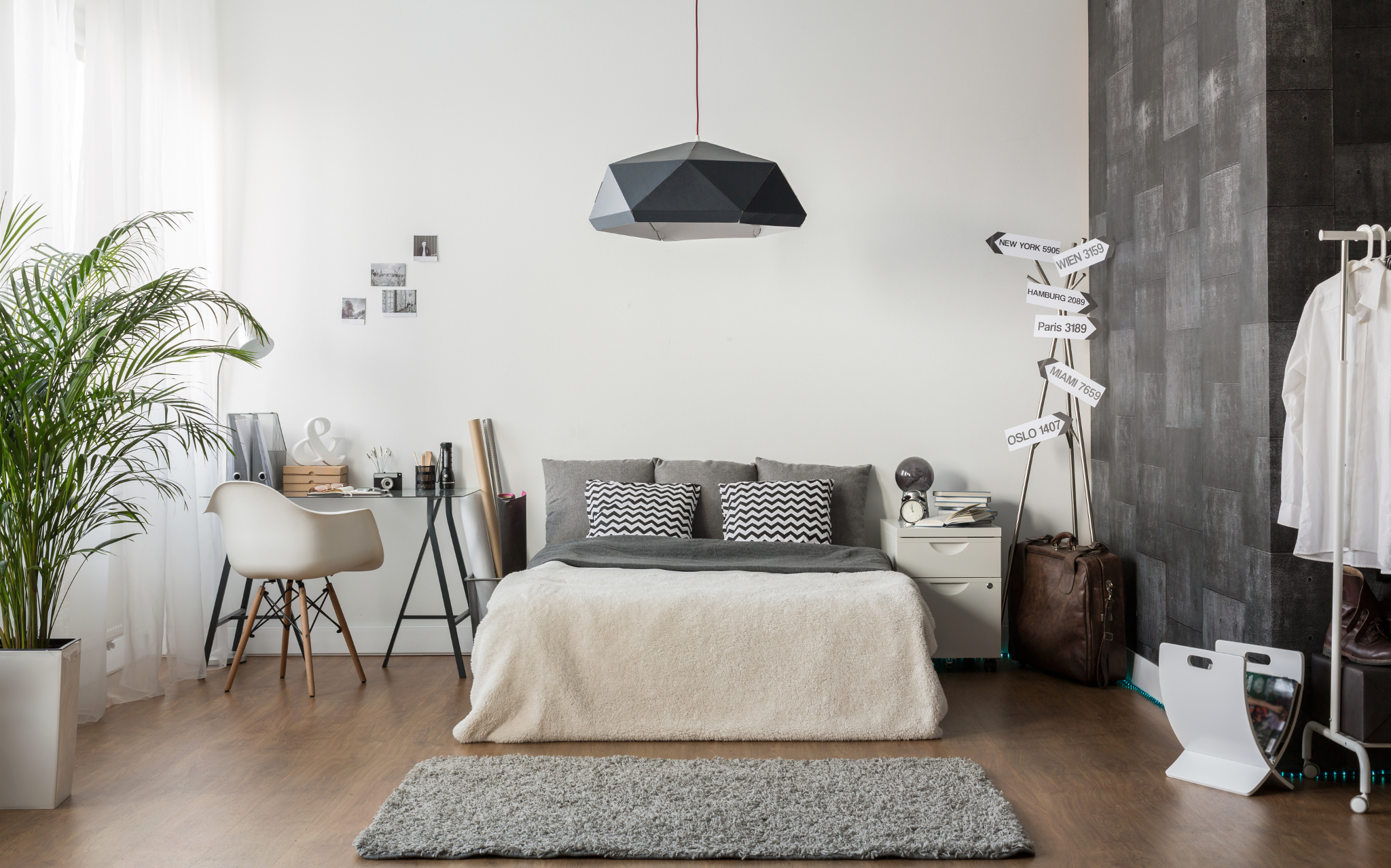 Bedroom, Living Room & Common Areas